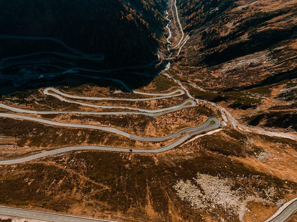 Daniel-Hager-Photography-Zurich-Switzerland-Drone-Mountains-October-184.jpg